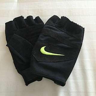 Nike Ladies Workout Gloves