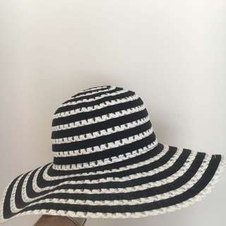 Black & White Hat
