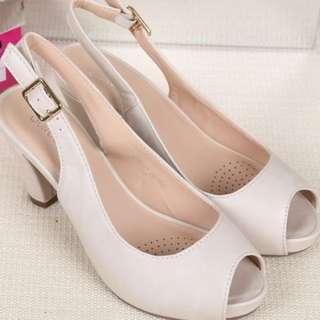 Women high heels SANDAL SHOES White or Beige size 39 / NZ 7.5