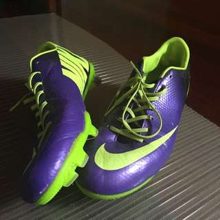 US 10 Mercurial Football boots