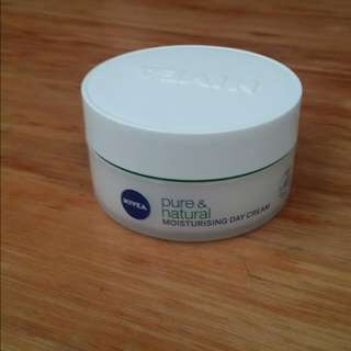 Nivea Pure & Natural Moisturising Day Cream 50ml