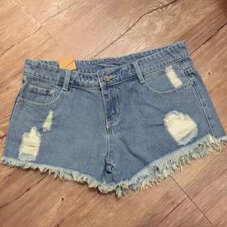 破破牛仔短褲(全新)