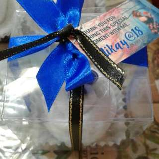 Cupcake Towel Giveaways
