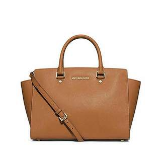 Michael Kors Large Selma Bag (Peanut Colour)