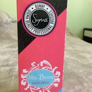 Sigma Mrs. Bunny Essential Brush Kit (Travel Edition)