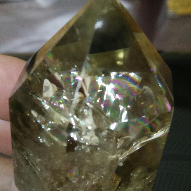 (降價)爆彩黃水晶柱~超多彩虹~金光閃閃~« 水晶、礦石、瑪瑙、半寶石 »