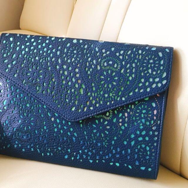 藍色雕花手拿(肩背)信封包