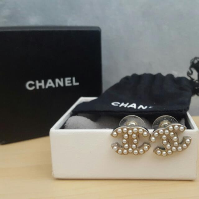 Classic Chanel pearl earrings