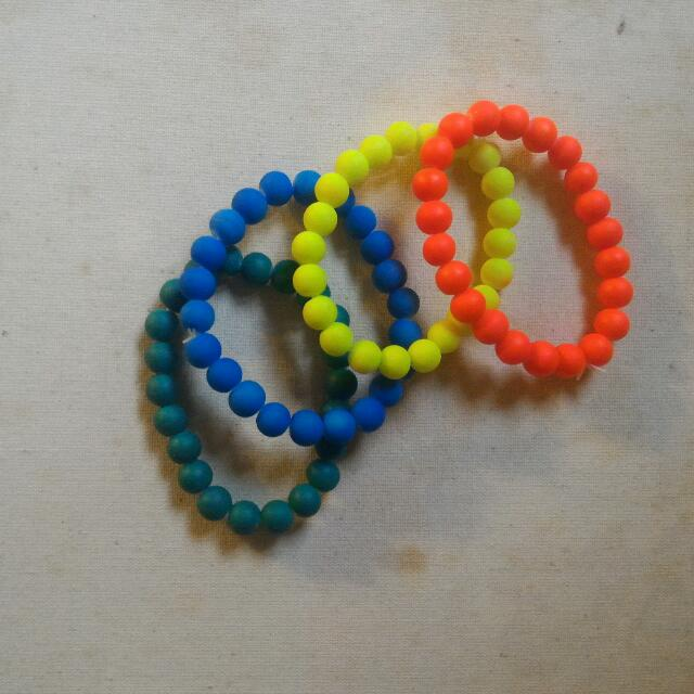 Colorful Beaded Bracelet (Gelang Warna-Warni)