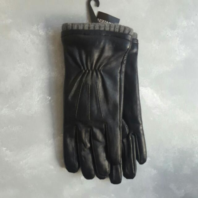 Danier leather gloves