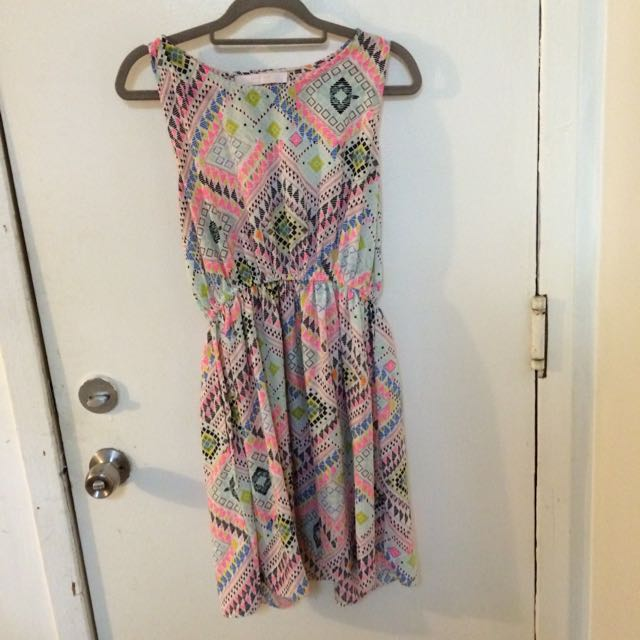 Fun and bright patterned dress!