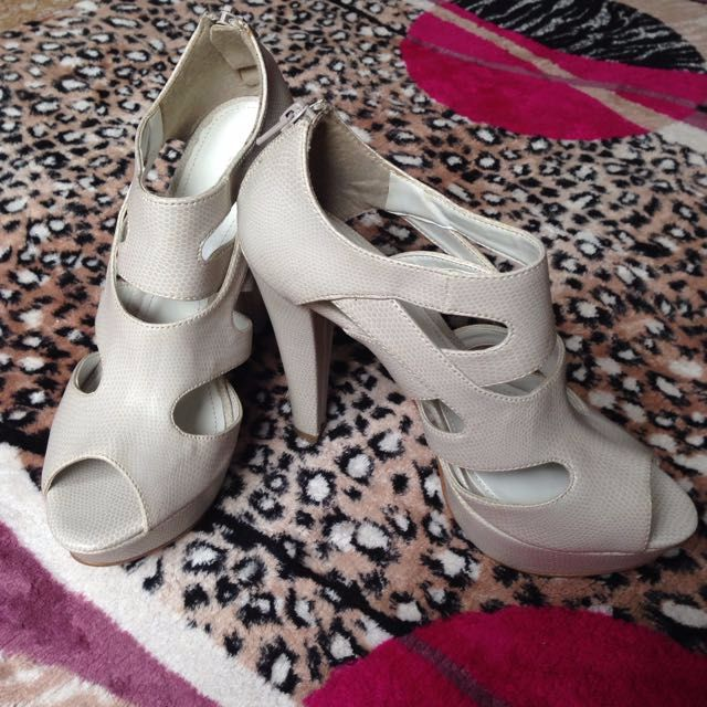 890ee24990bf RESERVED (Markdown!) Charles   Keith Shoe Size 36