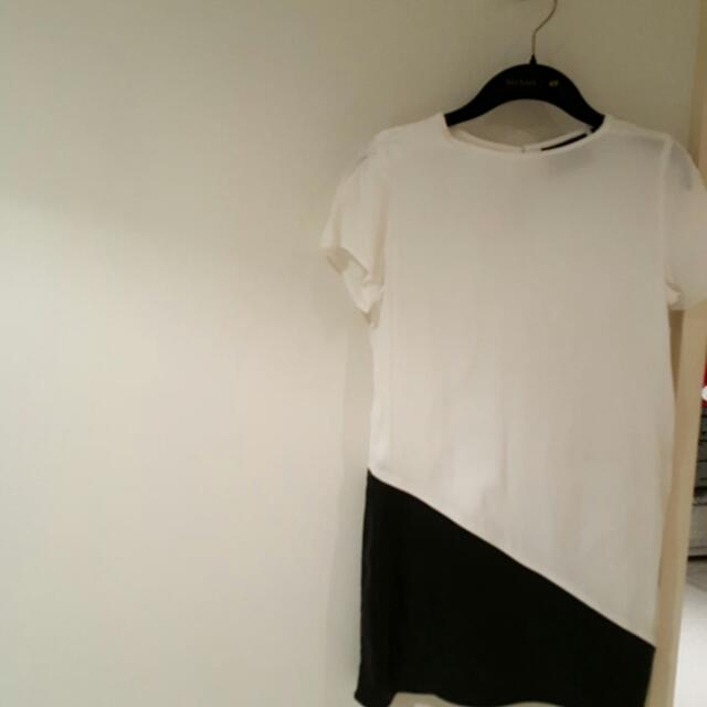 Minkpink white And Black Leather Long Tee Sz S 8-10