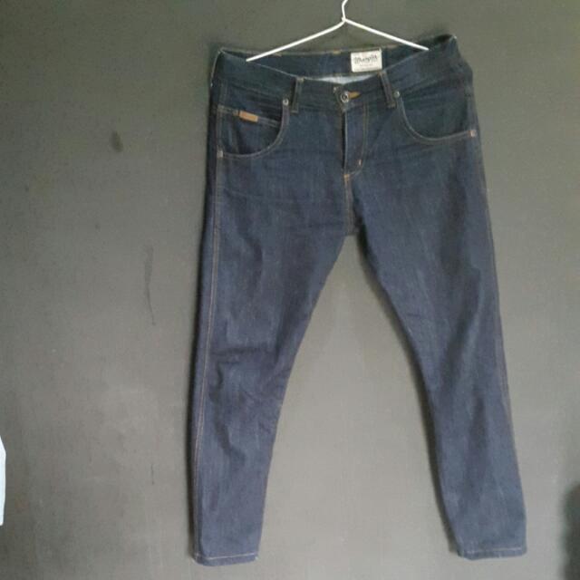 Original Wrangler Slim Fit Spencer Ukuran 29 / 30