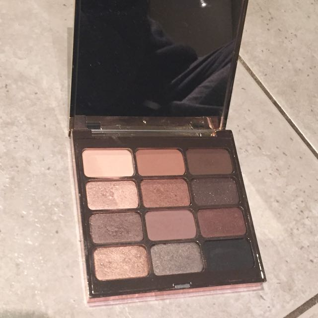 Stila Eyes Are The Window Palette in Soul