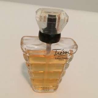 Lancôme Trésor perfume