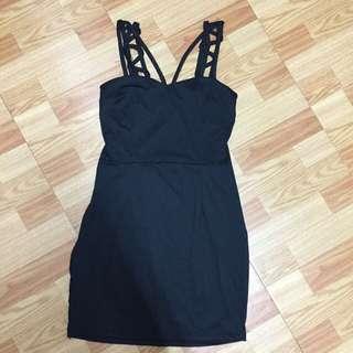 全新 黑色 素面 細肩 性感 氣質貼身彈性洋裝連身裙