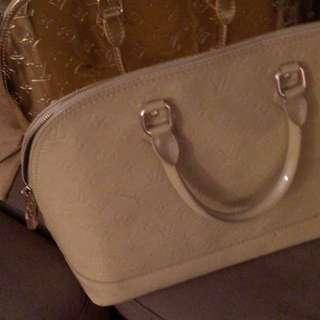Louis Vutton Alma Bag