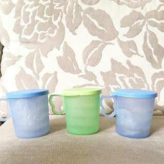 Tupperware Cups W Covers For Toddlers