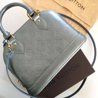 Auth Louis Vuitton Alma BB Monogram Givre