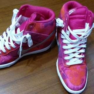 NIKE桃紅色增高鞋