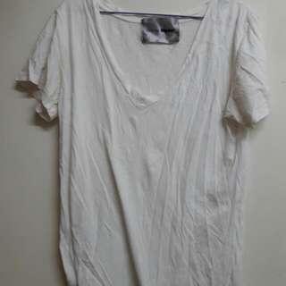 白色 素T V領 上衣 oversize