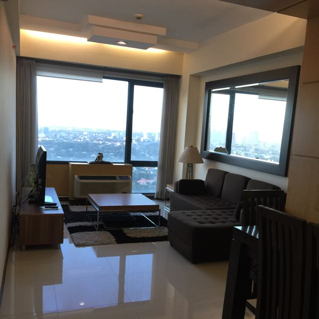 2br Condo At Eastwood Parkview 1