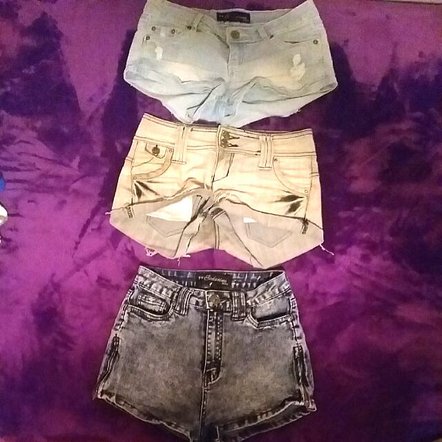 3 Pairs of Shorts: Size 1