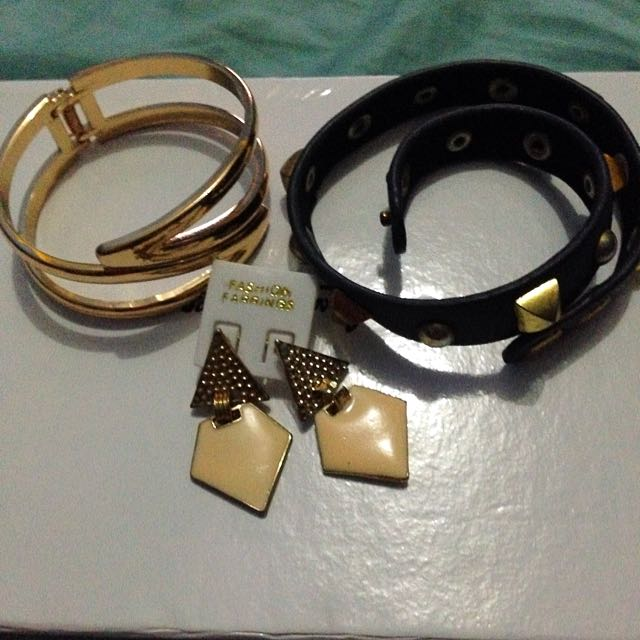 Accessories (gelang Dan Anting)