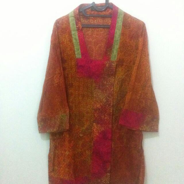 Alleira Blouse Batik