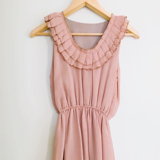 BEIGE WAIST STRECH DRESS SIZE 8