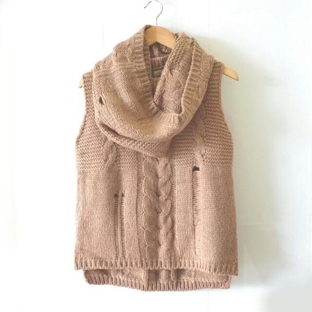 BRAND NEW Knitted Brown Top With Scarf / Atasan Rajut Winter