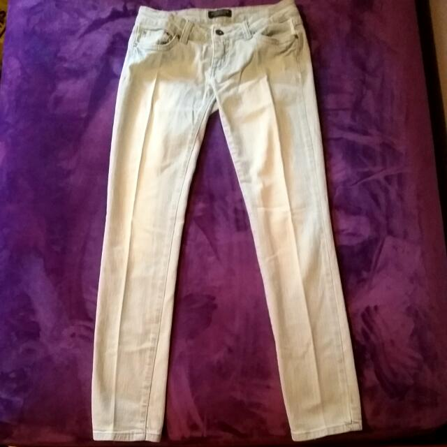 Low Rise Light Washed Jeans: 1