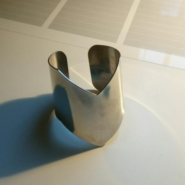 Metal Bracelet/Bangle