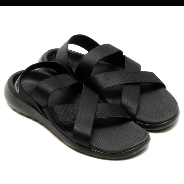 timeless design 8d6c6 591a9 Nike Roshe One Sandal Black Lightweight Lifestyle, Women s Fashion, Shoes  on Carousell