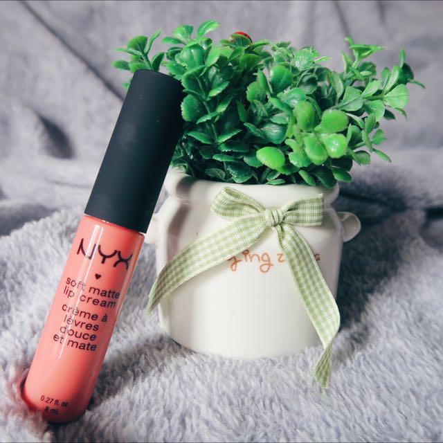 NYX Lip cream soft matte