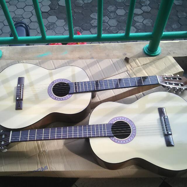 Home · Yamaha Gitar Klasik C 315 Free Softcase 2 Pick & Set Senar; ...