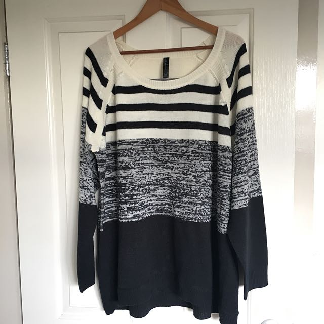 PLUS SIZE STRIPED SWEATER - SIZE 26
