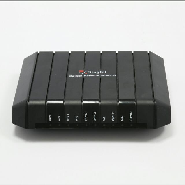 SingTel Fibre Router FG7003GRV(AC) & Optical Network