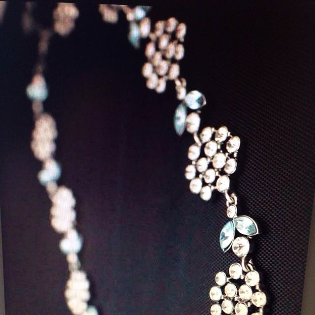 White & Green Circonian Necklace