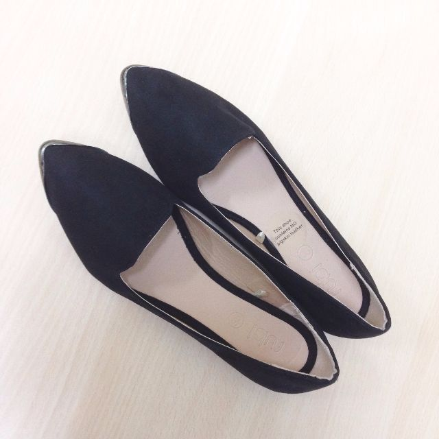 Zalora金屬尖頭黑色麂皮平底鞋