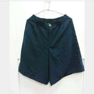Queep Shop深綠五分寬褲