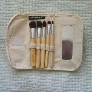 New Ecotools Travel Size Makeup Brush Set