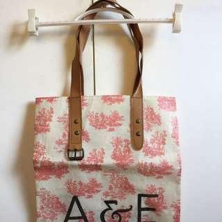FREE SHIPPING! A&E Apple & Eve Bag