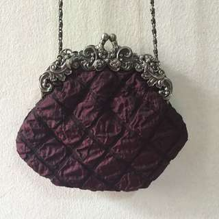 Ananas Maroon Vintage Purse With Chain Sling