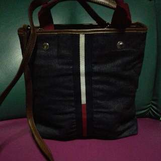 Pre Loved Tommy Hilfiger 2way Denim Bag..in Very Good Condition.. Please Manage Ur Expectations