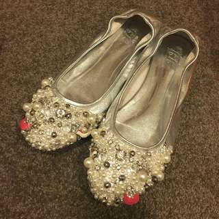 NEW flat stunning shoes size 7