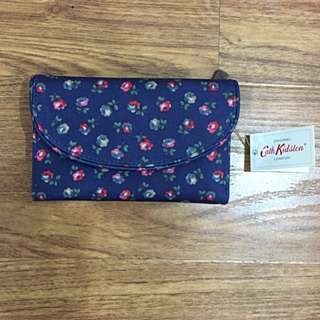 *Brand New* Cath Kidston Folded Curve Wallet River Daisy Blue
