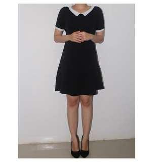 Black n White collar dress