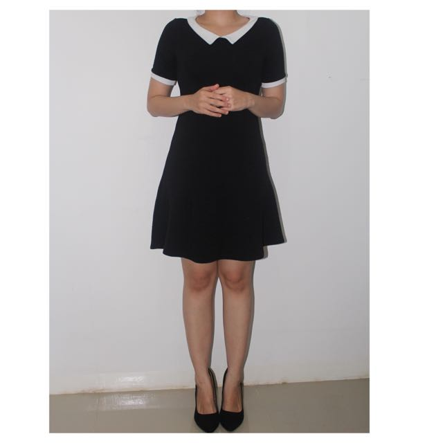 Black n White collar dress